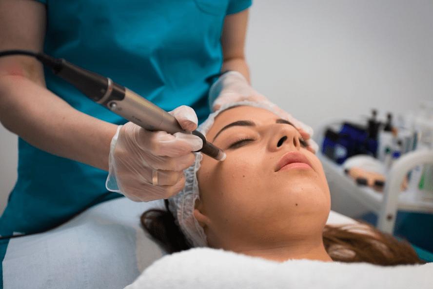 massage hydrafacial